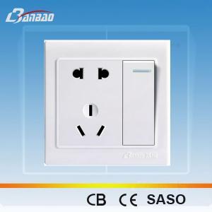 LK4018- A 1gang+ 2pole + 3pin PC flush type wall socket