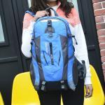 Los bolsos del deporte que suben deportes del alpinismo que acampan hacen excursionismo el bolso al aire libre que camina las mochilas ultraligeras para los hombres de las mujeres