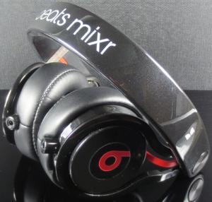 Quality headphone pro (mix color) for sale