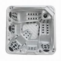 China Whirlpool Bathtub with 1,491L Water Capacity, 3 Massage Pumps and 3 Lounge Seat on sale