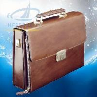 Buy cheap Italian Men′s Leather Briefcase with Fingerprint Lock (HF-FC01) product