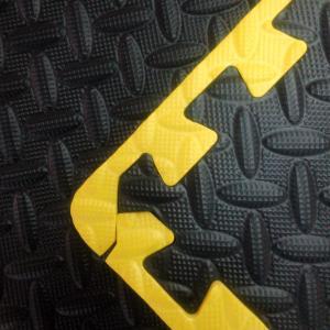 China Garage Flooring Set with yellow borders on sale