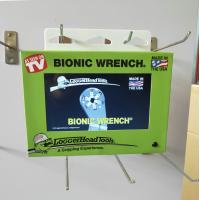China PIR motion sensor and battery operated 7 inch video screen for hanging on shelves/stands/POS displays on sale